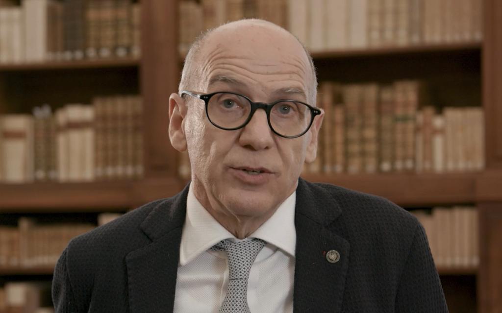 Foto del Rettore, Roberto Pinton, durante l'intervista